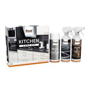 Afbeelding van een doos, spuitbus en 2 flacons waar mee het keuken schoonmaken nog makkelijker word